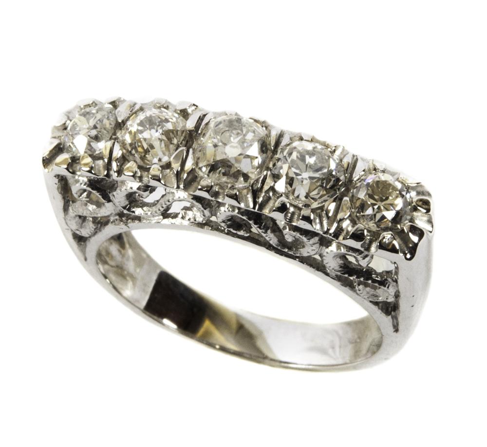 vari colori goditi la spedizione gratuita grande liquidazione Anello in oro bianco a cinque pietre con diamanti - Italia ...